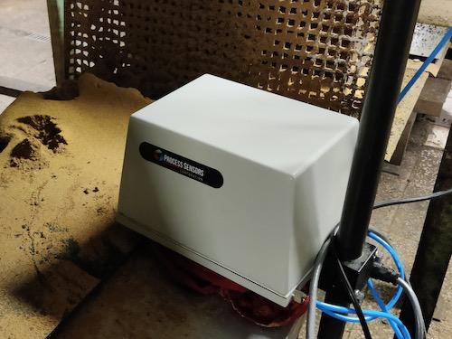 Testovací instalace snímače pro měření obsahu tuku a vlhkosti