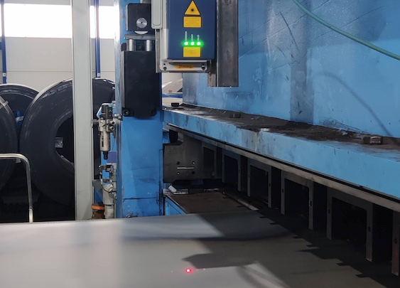 Installation of non-contact sheet metal length measurement in BaRcom